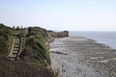Cliffs at Rhoose Point. (Pat ann 44) Tags: rhoosepoint cliffs rockformation rockstrata seaside bristolchannel landscape southwales southerlypoint