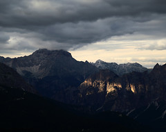Close your eyes (Robyn Hooz) Tags: passo giau nuvole sole montagne dolomiti touch cielo sky grey ray raggio cortina