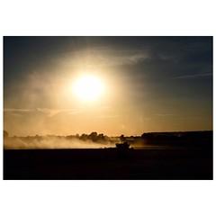 Licht und Schatten (Nikonfotografie) Tags: landscapephotography landschaftsfotografie sunsetlovers sunset sommerabend sonnenuntergang lichtundschatten abendstimmung nikonlove nikon landscape landschaft weserbergland niedersachsen meinnorden