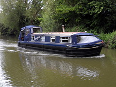 Grand Union Canal - Fenny Stratford (DarloRich2009) Tags: boats boat canal miltonkeynes lock path union bedfordshire junction barge narrowboat mk stratford waterway towpath canalboat grandunioncanal barges wyvern bletchley fenny canalgrand boattow fennystratford grandjunctioncanal boatcanal fennylock boatsnarrow boatnarrow wyvernshipping fennystratfordlock wyvernshippingcompany lockgrand pathmkmilton rathvillyii