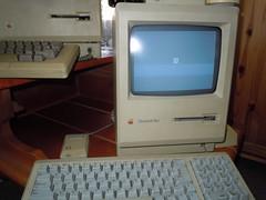 anyone have Mac OS 7.5.3 disks? (LunchboxLarry) Tags: old usa apple macintosh is geek tech made macintoshplus macinto