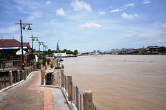 Wat Kalayanamit Bangkok tour_E10962075-033
