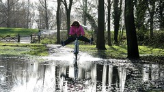 Stony Stratford flooding - November 2012 (Trackside70) Tags: uk england water rain bike bicycle river flood britain buckinghamshire stony milton keynes splash ouse stratford