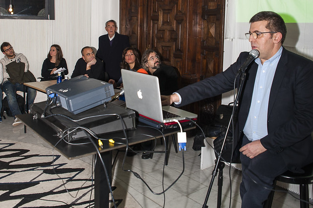 "Presentación del libro 'Ciberactivismo', de Mario Tascón y Yolanda Quintana • <a style=""font-size:0.8em;"" href=""http://www.flickr.com/photos/32810496@N04/8226836458/"" target=""_blank"">View on Flickr</a>"