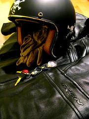 Cuir (Cohiba Jack) Tags: leather cafe helmet jacket moto motorcycle caferacer racer casque blouson cuir
