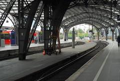 Kln Hauptbahnhof (Forest Pines) Tags: railroad station germany deutschland cologne eisenbahn railway bahnhof kln hauptbahnhof nrw bahn hbf nordrheinwestfalen northrhinewestphalia colognecentralstation klnhauptbahnhof