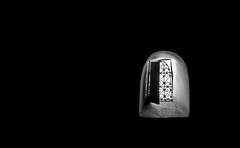 Pequeña apertura (PloPh) Tags: bw blancoynegro luz ventana fez contraste marruecos hueco ltytrx5