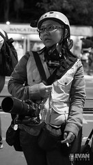 EvanIshida_Jornal01Set-18 (Evan Ishida) Tags: sopaulo so paulo sp sampa saopaulo brazil brasil jornalismo fotojornalismo journalism ato manifestao protesto direitos civis cidadania cidado povo fotgrafos rua paulista avenida foratemer diretas policiais policia police escudo gas lacrimogeneo bombas capacete mascara helicoptero aguia pb bw pretoebranco blackandwhite street urban press midia news politics politica