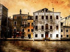 Venecia, Venice 023 (www.ignaciolinares.com) Tags: venecia venice venezia gondola canales sanmarcos feniche campanile ilduomo eldoge vaporetto veneto italia
