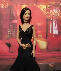 Pretty Woman Tribute12 (annesstuff) Tags: annesstuff doll fashiondoll tonnerdoll roberttonner sydneychase tylerwentworth prettywoman juliaroberts vivian businessdinner