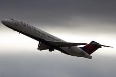 (Eagle Driver Wanted) Tags: n946at deltaairlines kpdx portlandinternationalairport pdx aviation flight portland international airport