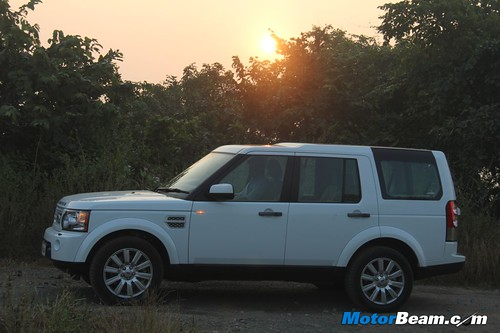 Land-Rover-Discovery-4-02