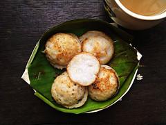 khanom khrok (som300) Tags: local food cameraphone motorola zn5 sweet