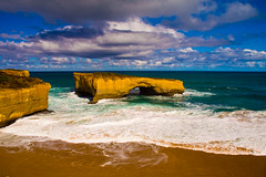 The bridge in the ocean (Nuxis [Davide]) Tags: ocean bridge sea mare sony australia victoria greatoceanroad a77 alpha77