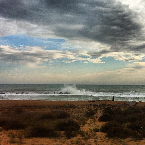 Sì, il mare oggi è (era) arrabbiato.
