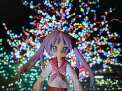 Kagami and the Holiday Lights (Sasha's Lab) Tags: christmas school holiday girl toy lights star high cg uniform purple action bokeh background suit lucky figure moe backdrop gsc sailor kagami fuku tsundere jfigure goodsmile hiiragi twintails  luckystar rakisuta figma kagamin htitft