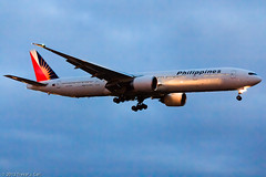 Philippines Airlines | RP-C7775 | 12.14.2012 | YYZ (Trevor Carl) Tags: airplane photo aviation transport boeing yyz philippineairlines torontopearsoninternational alltypesoftransport 7773f6er rpc7775 flypal
