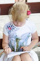 _DSC4388.jpg (Kaminscy) Tags: outdoor coloringbook coloring girl