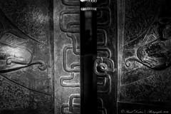 Invitation [in explore 21.08.2016] (Pascal Dentan) Tags: haveaniceday import20160222 porte door open black white monochrome noir et blanc gravure lausanne suisse switzerland schweiz