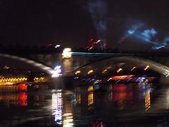 REFLETS (marsupilami92) Tags: frankreich france hautsdeseine ledefrance 92 courbevoie becon levallois ftenationale feudartifice pont seine fleuve reflet