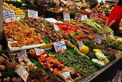 Seattle - Pike Place Market - Fresh Produce (jrozwado) Tags: northamerica usa washington seattle pikeplace market shopping produce mushroom tomato