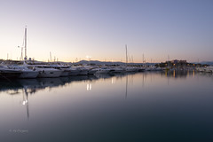 Port Vauban, towards Fort Carr (Giacomo Pagani) Tags: giacomopagani 2016 sony alpha 6000 a6000 provence cte dazur port vauban boats yachts sunset water reflections