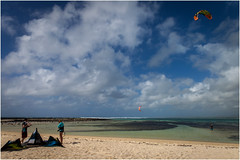 the beach . (:: Blende 22 ::) Tags: canoneos5dmarkii ef2470f28liiusm fishing surfing color colorful mauritius maskarenen eastcoast grandgaube water waves blue