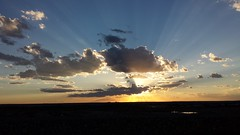 20160824_191800.jpg (stellardot) Tags: samsung galaxy s4 phone mobile device sgh m919 desert sunset crepuscular rays