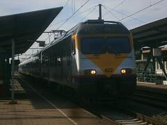 422 @ Denderleeuw (ianjpoole) Tags: nmbs sncb type am83 break 422 working train ic2315 oostende brussels airport