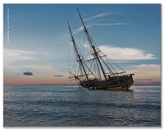 El velero del cable. (Francisco J. Prez.) Tags: nature atardecer mar spain pentax playas mlaga pentaxk5 franciscojprez sigmadc1770f284hsm