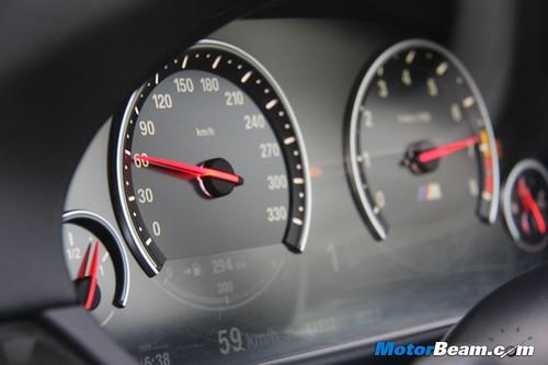 2012-BMW-M5-16