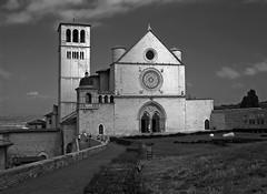 Basilica di San Francesco Monochrome (Dit49) Tags: italy church monochrome blackwhite assisi umbria basilicadisanfrancesco nikoncoolpix8800 niksilverefexpro
