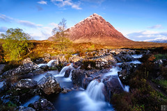 triangular relationship (gregor H) Tags: morning mountain snow cold nature landscape scotland highlands triangle stream bluewater glencoe carlzeiss coldmorning zf buchailleetivemor sronnacreise distagont3518