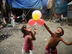 (DIMITRI PILALIS;) Tags: pehn cambodia cambodge camboja child childrens phnom kids balloon balo asia happy khmer boy girl slum angkor wat health sant salud sade saude salut sante cambodian asien asian