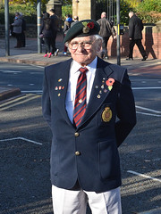 A Leeds Veteran on Rememberance Day (Steve Barowik) Tags: november soldier army march ni
