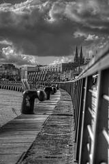 Quai Bordeaux (Matthieu Luna) Tags: pictures sky bw cloud france water canon eos photo eau noir ray photographie cloudy 33 bordeaux nb matthieu ciel 7d rayon nuage et 18200 blanc quai bordeau gironde