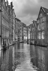 "Canal • <a style=""font-size:0.8em;"" href=""http://www.flickr.com/photos/45090765@N05/8193017373/"" target=""_blank"">View on Flickr</a>"