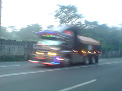 Blurred (Hari ng Sablay oprtd by Bus Ticket Collector ) Tags: truck philippines dumptruck isuzu 6wheeler dekotora
