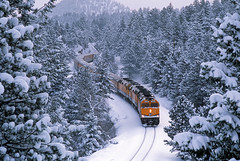 Finale weekend (Moffat Road) Tags: railroad winter snow train colorado crescent curve frontrange snowcoveredtrees lastweekend skitrain passengertrain emd f40ph riograndeskitrain anscoskitrain upsmoffattunnelsubdivision lastruns
