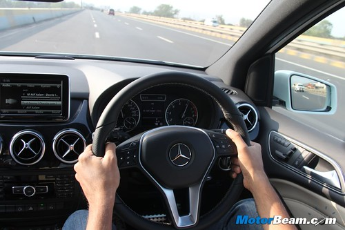 2012-Mercedes-B-Class-48