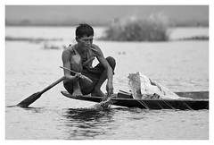 smoke on the water... (paolo paccagnella) Tags: light two portrait blackandwhite bw panorama white lake water smile work canon lens lago eos boat is photo key bestof waves foto paolo burma smoke fiume low hard deep double best bn smoking equipment 7d myanmar inlelake freehand usm month bianco ritratto platinum efs f28 paesaggio biancoenero 2012 2014 masterclass wn 1755mm birmania wett 2013 canonef70200mmf4isusm papakka winnersgallery phpph phpphotography phpphotographycom