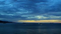 la nuit est proche (LILI 296 ...) Tags: mer coucher ciel nuage bateau croisire canonpowershotg12 ilesetterresdusoleil