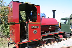 IMG_4923 (Hampton & Kempton Waterworks Railway.) Tags: darent alister arrives loop