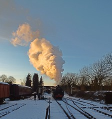 Winter 2014 and BR Standard Class 5 departs Butterley, making a huge steam plume in the intense cold, Midland Railway Centre. 28 12 2014 (pnb511) Tags: midlandrailwaycentre derbyshire trains railway steam locomotives br standardclass5 snow cold ice britishrail plume