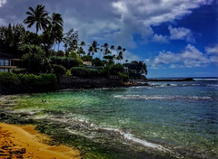 Black Point (jcc55883) Tags: blackpoint kaalawaibeach kulamanuplace diamondheadroad kahalaavenue sky clouds ocean pacificocean shoreline oahu hawaii goldcoast ipad ipadair