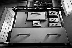 Arbeitsplatz - Workplace (Bernd Kretzer) Tags: herd stove kche kitchen franken franconia schwarzweiss blackwhite sigma 1020mm 14056 ex dc hsm