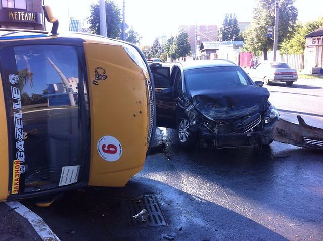 ВСызрани врезультате дорожно-траспортного происшествия перевернулась пассажирская «газель»