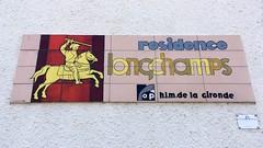 résidence longchamps (frankrolf) Tags: castillonlabataille hlm résidencelongchamps type:face=gillkayo