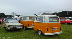 Volkswagen T2 Camper & Opel Commordore (peterolthof) Tags: neurhede 1011092016 peter olthof peterolthof