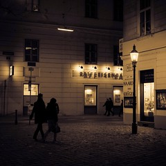 turn on the bright lights (>TIM<) Tags: vienna wien lamp night square nightshot streetlamps silhouettes nightscene